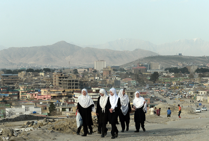 Iskoláslányok Afganisztánban