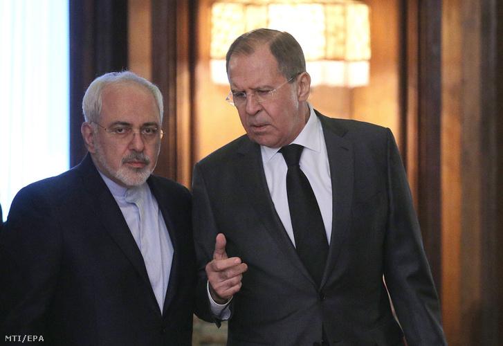 Mohamad Dzsavad Zarif iráni (b) és Szergej Lavrov orosz külügyminiszter
