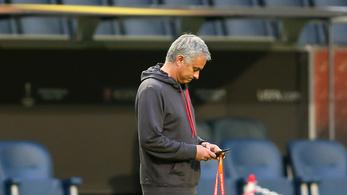 Mobilon nézhetik vissza az ismétléseket a PL-edzők