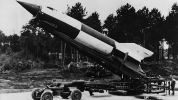 3800 liter vodka hajtotta a nácik csodafegyverét