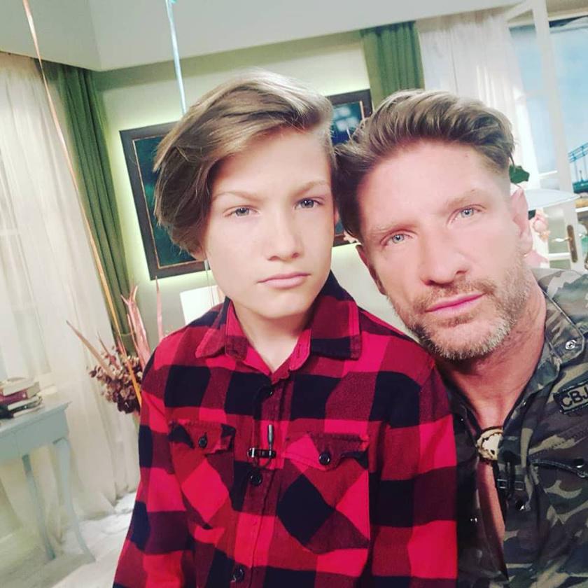 Pintér Tibor fia 2006-ban látta meg a napvilágot, a 12 éves Máté már elkezdett kamaszodni.