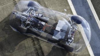 A Mercedes is küzd a spekulánsokkal