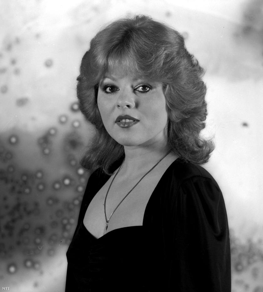 Balázs Klári volt az egyik leggyönyörűbb énekesnő az 1970-es, illetve 1980-as években, nem is csoda, hogy Korda György szerelmes lett belé.