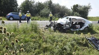 Súlyos baleset történt Szolnoknál