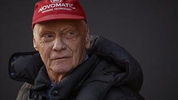 Lauda már nincs kómában, hosszú rehabilitáció vár rá