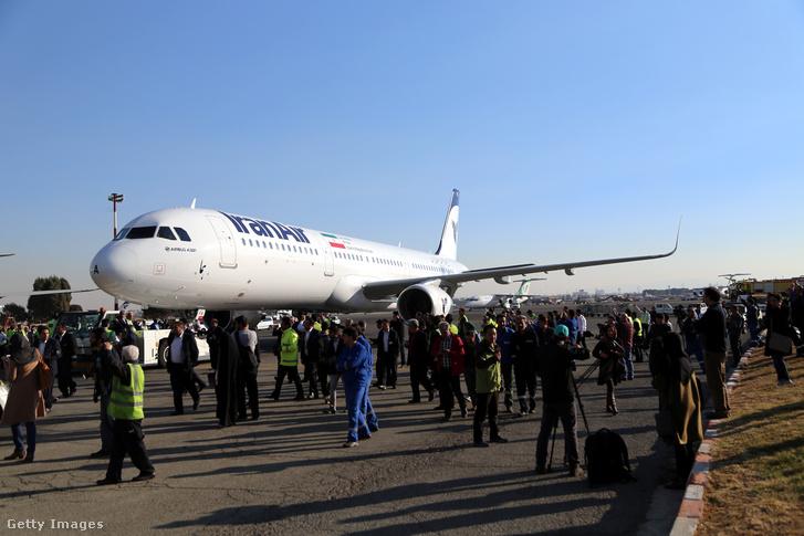 Az Airbus által épp leszállított A321-es 2017 januárjában Teheránban
