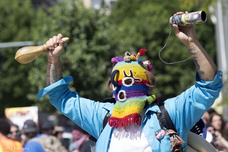 Egy baloldali tiltakozó