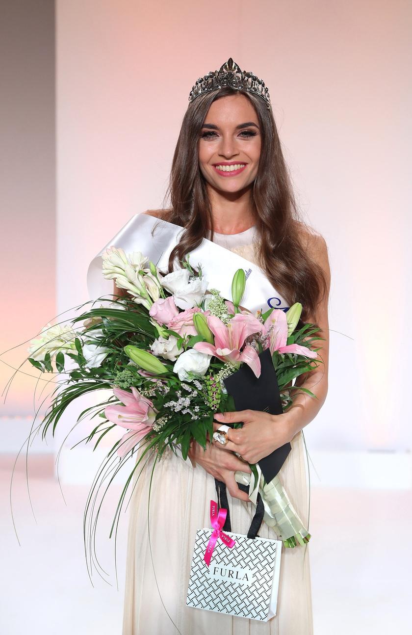 A stylistként is dolgozó Tóth Lilla Hanna, miskolci egyetemista lett a 2018-as Miss Balaton szépségkirálynője.