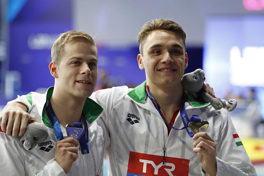 A férfiak 200 méteres pillangóúszásában aranyérmes Milák Kristóf - jobb oldalt - és az ezüstérmes Kenderesi Tamás.