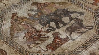 Le kellett állítani a mozaikmúzeum építését, mert 1700 éves mozaikokat találtak alatta