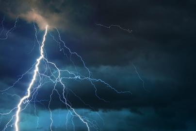 vihar-zivatar-villam