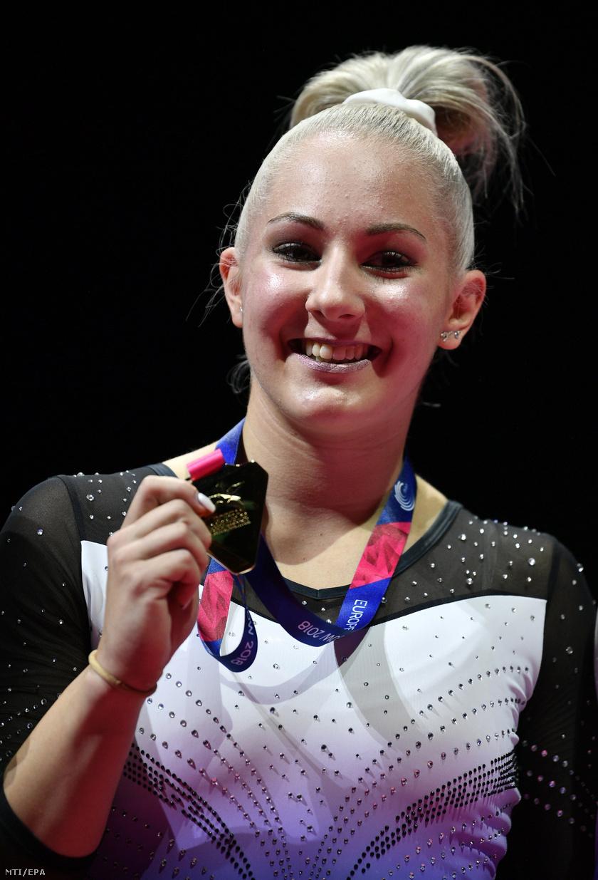 Az ugrás számban aranyérmes Dévai Boglárka.