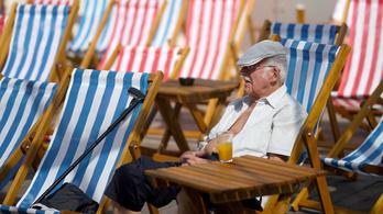 Mindegy lesz, mennyit keresnek a nyugdíjasok