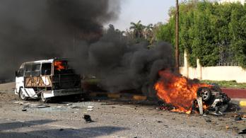 Felrobbant egy autó Kairó belvárosában