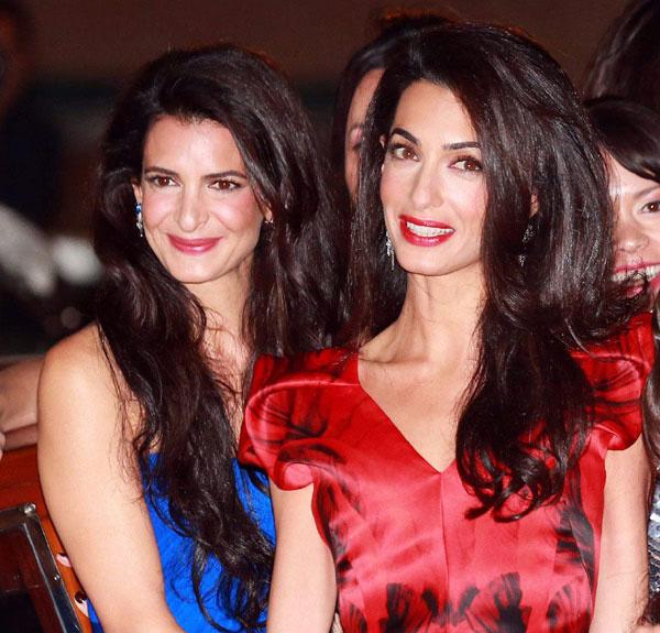 Amal Clooney le sem tagadhatná nővérét, Tala Alamuddint. Nagyon hasonlítanak egymásra.