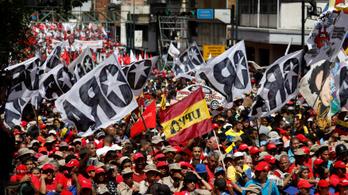 Békemenetet tartottak Venezuelában a drónmerénylet után