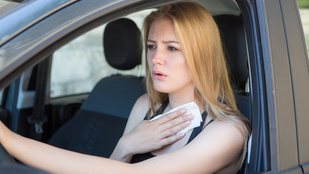 Mire figyeljek, ha a hőségben vezetek?