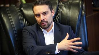 Vona: Orbán összemixelte Horthyt és Kádárt