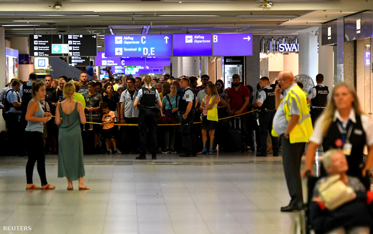 2018-08-07T141543Z 269722082 RC11027C60A0 RTRMADP 3 GERMANY-SECU