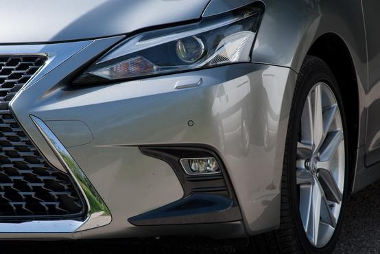 Nekem sok ez a modern Lexus formavilág, de van, akinek bejön