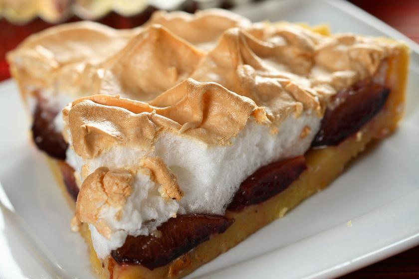 Régimódi, habos szilvás süti a nagyi konyhájából: a család egyik kedvenc receptje