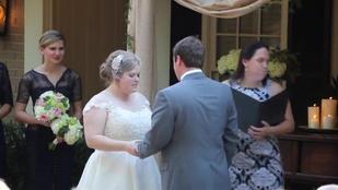 Próbálta visszatartani a házasságkötés közben, de nem sikerült