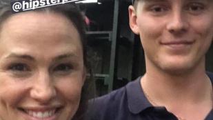 Stockholmnál egy férfi kimentett egy eltévedt kajakozót. Jennifer Garner volt az