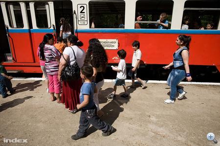 A Vöröskereszt péntek délutánra kirándulást szervezett.