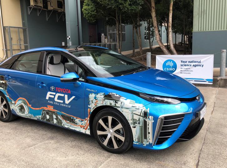 Toyota Mirai üzemanyagcellás jármű, amely használni tudja a CSIRO által előállított hidrogén üzemanyagot