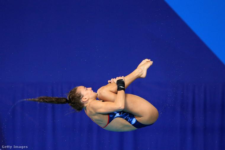 Szóval a képek a most folyó vizes eb-n készültek a női műugrók gyakorlatairól.