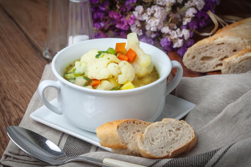 Ízletes, sűrű karfiolleves 30 perc alatt: hús nélkül is laktató