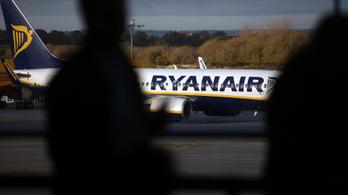 Többszáz milliós bírságot kaphat a Ryanair, ha nem szedi magát össze