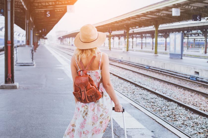 vonat-lány-nyár