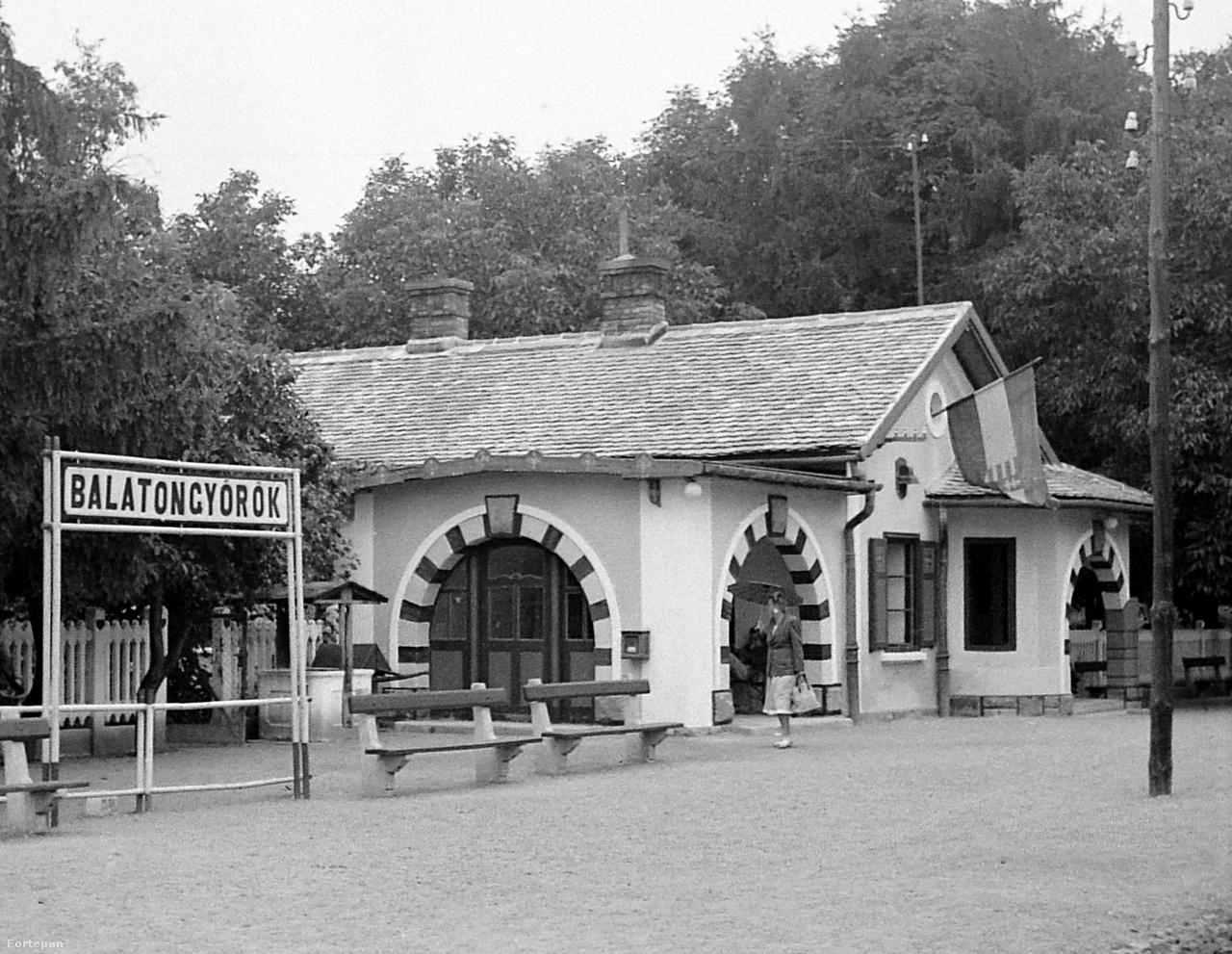 Balatongyörök, vasútállomás