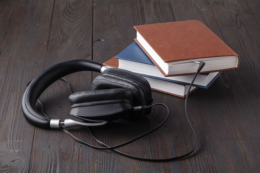 100 hangoskönyv az önkéntesektől - A Vakok és Gyengénlátók könyvtára különleges köteteket kap