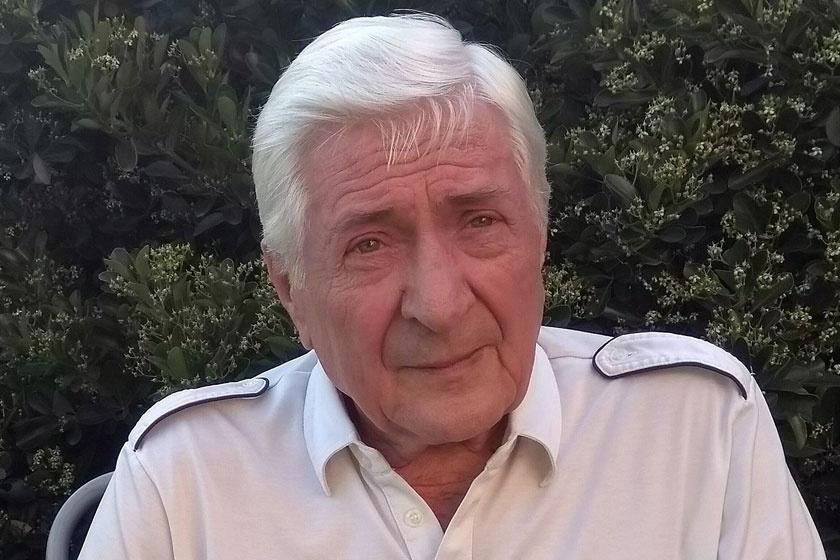A Hupikék törpikék zseniális szinkronját is neki köszönhetjük - Mauchner József 55 éve rendez