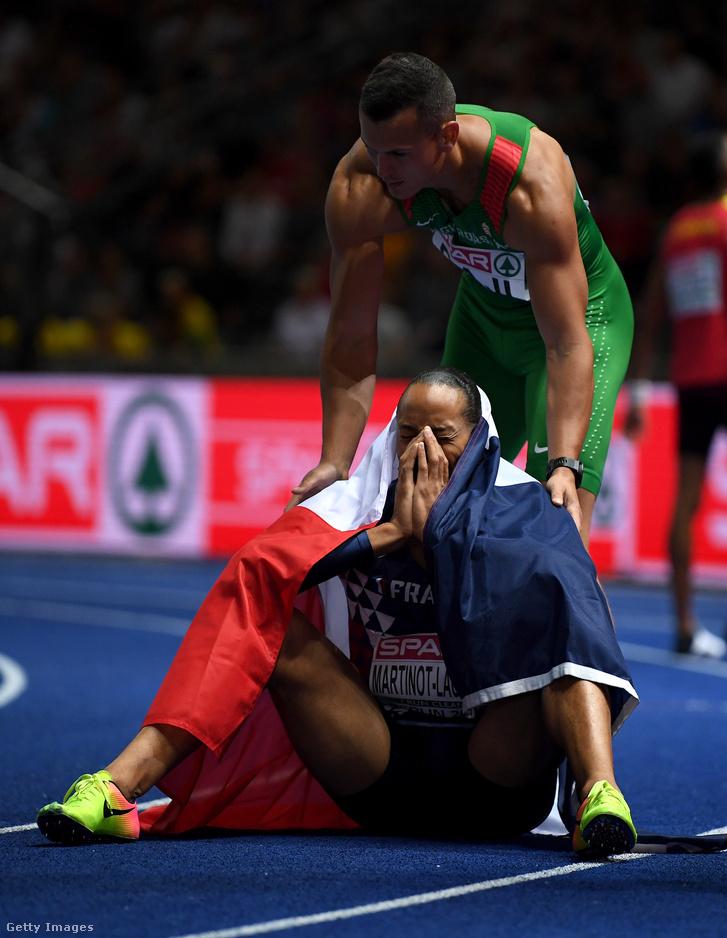 Baji Balázs gratulál az aranyérmes Pascal Martinot-Lagardenak