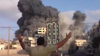 Videó készült az izraeli légicsapásról a Gázai övezetben