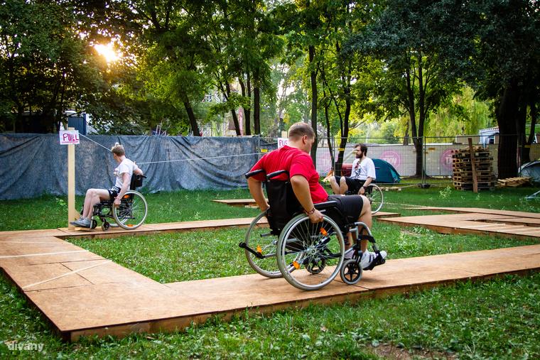 A kerekesszékes akadálypálya viszont nem sport, még ha úgy is érzed majd, ez sokaknak a mindennapos élet velejárója