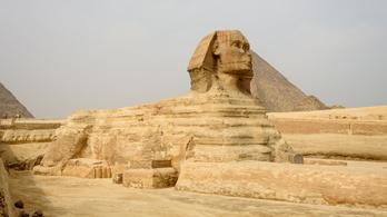 Újabb Szfinxet áshattak ki a föld alól Egyiptomban