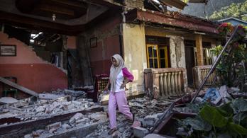 Már 436-ra nőtt az indonéziai földrengés áldozatainak száma