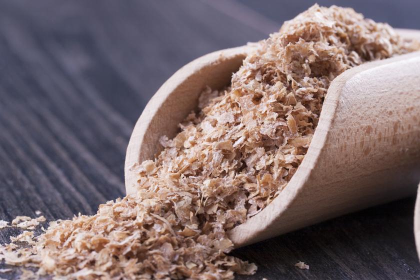 A búzakorpa a vasban leggazdagabb gabonaféle, 100 grammonként 16 milligrammot tartalmaz. A növény továbbá véd a vastagbél- és emlőráktól, illetve a szív- és érrendszeri betegségektől, az elhízástól, a bélrendszeri betegségektől.