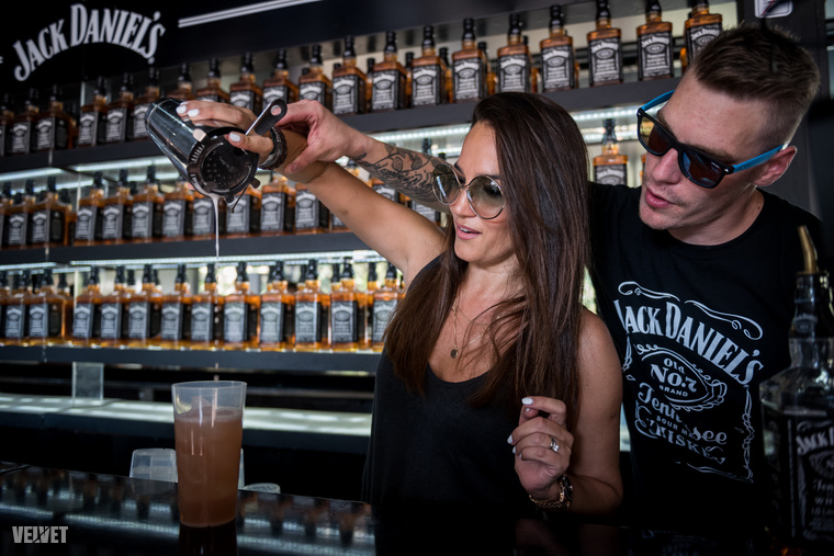 Egy olasz férfi felesége a whiskey-n kívül biztosan fogyaszt egy-két olasz italt is