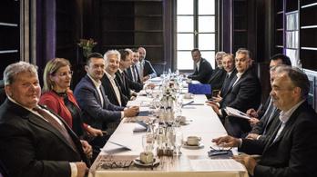 Megvan, mennyivel emelkedik a miniszterek fizetése
