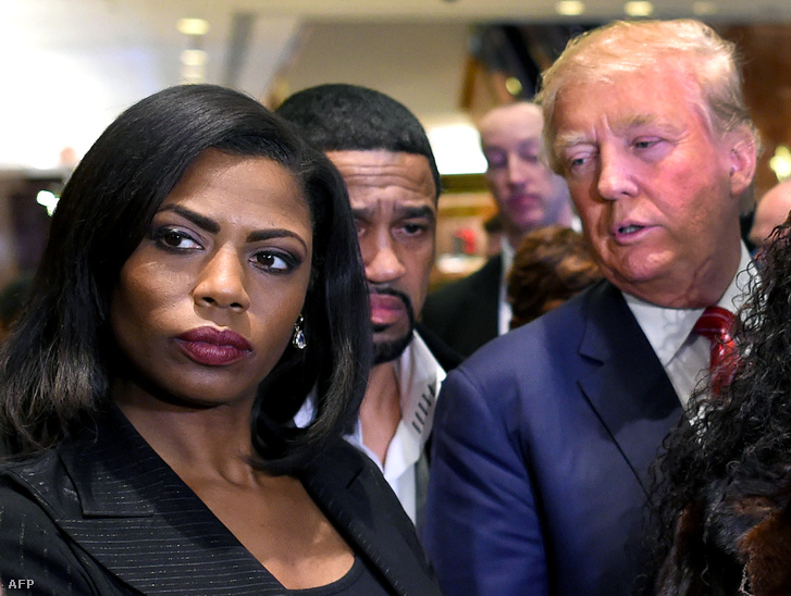 A könyvet jegyző Omarosa Manigault Newman és Donald Trump 2015-ben