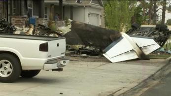 Saját házának repült egy kisgéppel egy férfi, hogy megölje a családját
