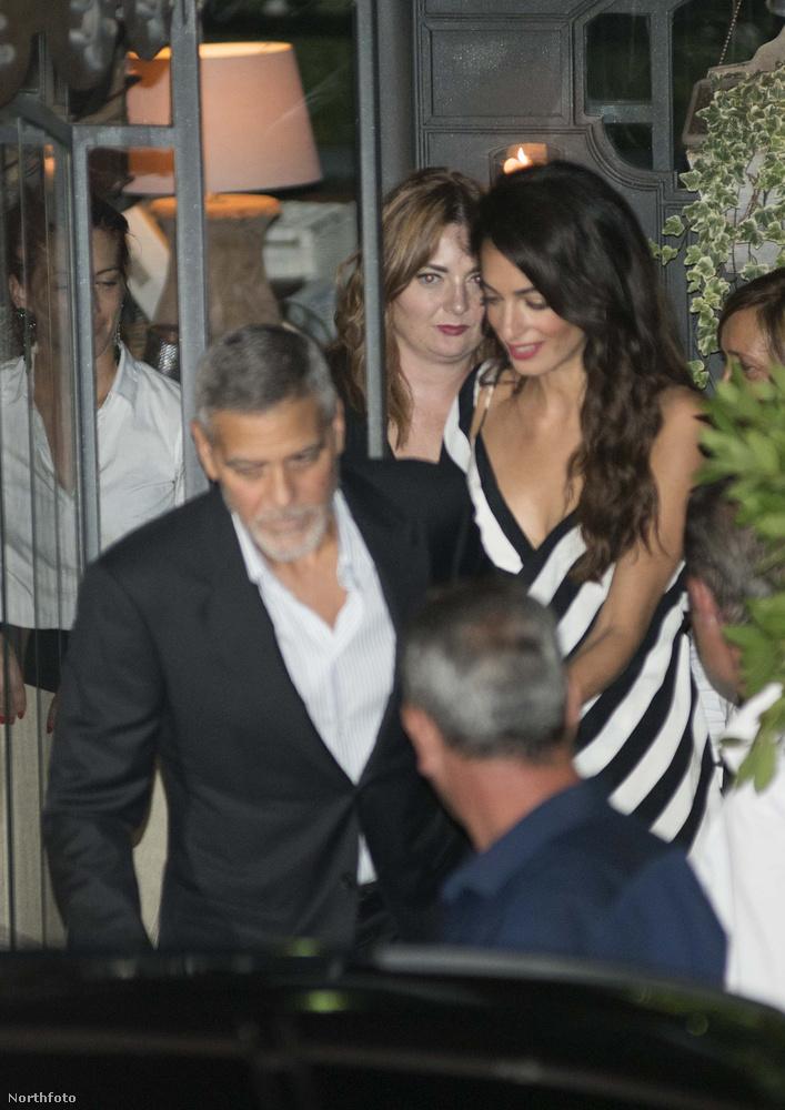 Az már szinte megszokott látvány, hogy George Clooneyt és a nejét a Comói-tó környékén látják kolbászolni