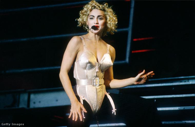 """""""Lehetsz egyszerre lázadó és deviáns, ugyanakkor erős és pozitív személyiség!"""" - nyilatkozta Madonna"""