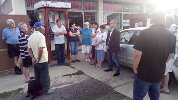 Alsógatyás sajtlopásba is keverték, mégis legyőzte a Fideszt