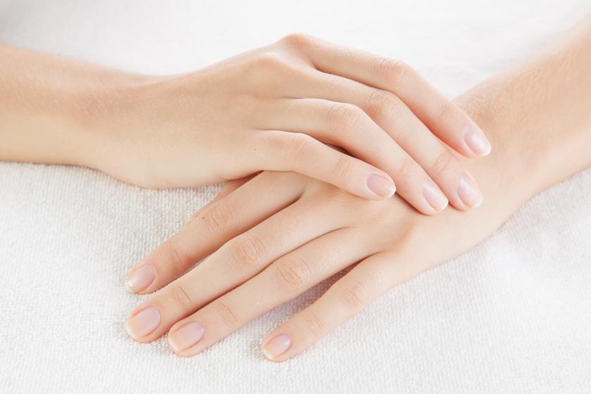 Miért válik le rétegekben a körmöd? Betegség és vitaminhiány is állhat a háttérben